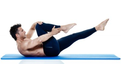Fototapete Mann Fitness Pilates Übungen isoliert