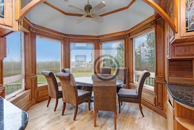 Mansion interieur verfügt über erkerfenster frühstücksecke ...