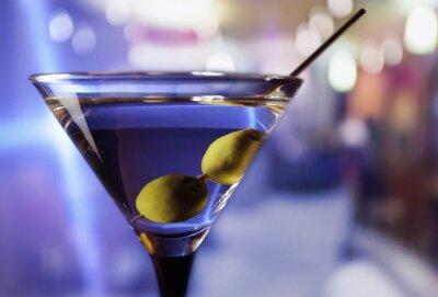 Fototapete Martini mit grünen Oliven