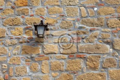 Fototapete Mauerwerk, Wand Aus Naturstein Mit Einer Laterne.