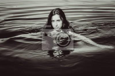 Fototapete Meerjungfrau Junge Frau Mit Roten Haaren Auf Einem Blauen See