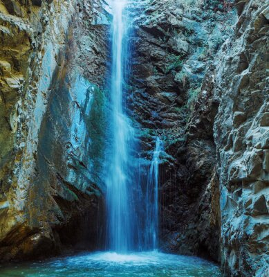Fototapete Millomeris Waterfall in Rock Cave, Troodos mountains