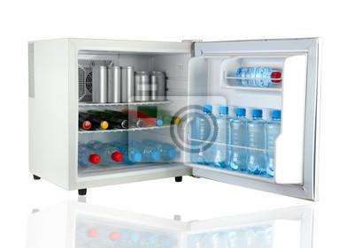 Mini Kühlschrank Kosmetik : Mini kühlschrank voller flaschen und gläser mit verschiedenen