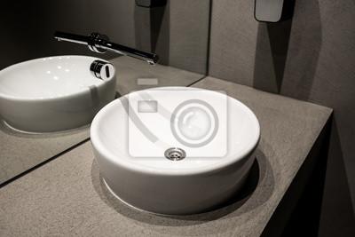 Moderne europäische keramik-spüle, waschtische mit lichtschranken ...