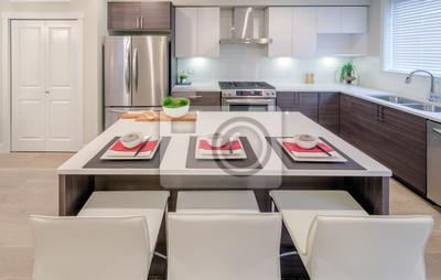 Fototapete: Moderne küche mit insel und schränken in einem luxus-haus zum