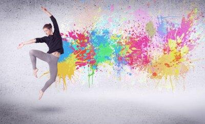 Fototapete Moderne Street Dancer Springen mit bunten Farben spritzt