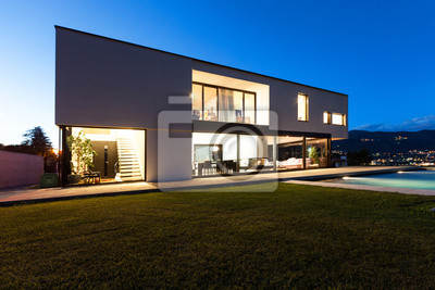 Moderne villa mit pool, blick vom garten, nacht-szene fototapete ...