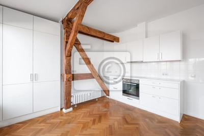Fototapete: Moderne weiße küche in penthouse-wohnung mit holzboden