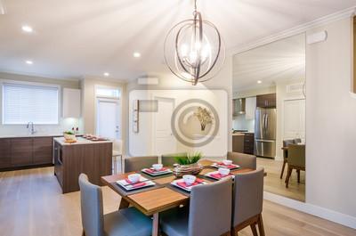 Modernes esszimmer mit küche, tisch und spiegel. innenarchitektur ...