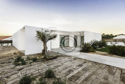Beautiful Modernes Haus Mit Pool Und Garten Contemporary - Farbideen ...