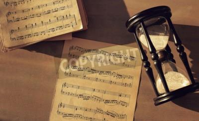 Fototapete Musiknoten auf dem Tisch