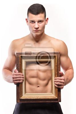 Muskulöser Mann mit Sixpack und Rahmen auf seinen Oberkörper