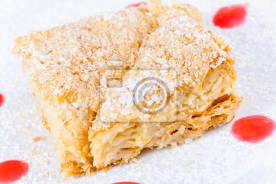Napoleon Kuchen Auf Weissem Teller Fototapete Fototapeten Receipe