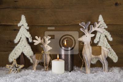 Fototapete Natürliche Weihnachtsdekoration Mit Holz, Kerzen Und Wolle Auf  Holz Hintergrund Als Weihnachtskarte.