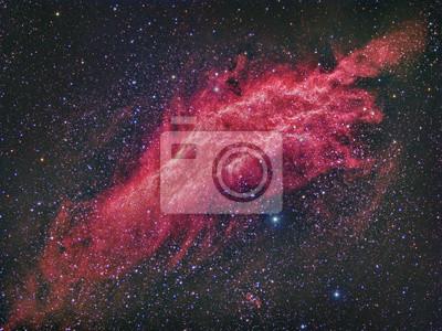 NGC 1499 California Nebula abgebildet mit einem Teleskop und einer wissenschaftlichen CCD-Kamera