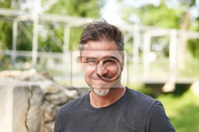 Fototapete Outdoor portrait of happy older white man