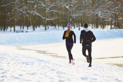 Fototapete Paar läuft im Winter