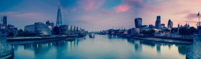 Fototapete Panoramic view on London and Thames at twilight, from Tower Brid