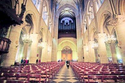 Fototapete Paris, Frankreich, 6. Februar 2016: Innenraum von Notre Dame de Paris, einer der Pariser simbols