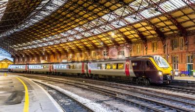 Fototapete Passagierzug am Bristol Tempel Meads Bahnhof, England