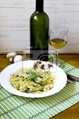 Fototapete Pasta Farfalle mit Pesto und Pilze