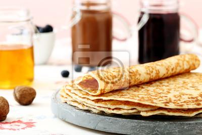 Pfannkuchen su tavolo di cucina sfondo rosa fototapete • fototapeten ...