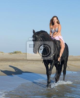 Bilder frau auf pferd Junge Frau