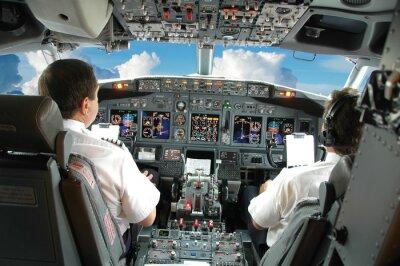 Piloten im Cockpit