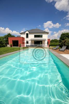 Piscine Avec Terrasse Dans Jardin Et Maison Moderne 2 Fototapete