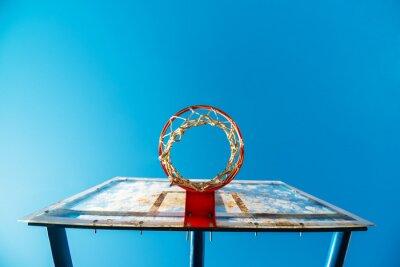 Fototapete Plexiglass Street Basketball-Board mit Reifen auf Außengericht
