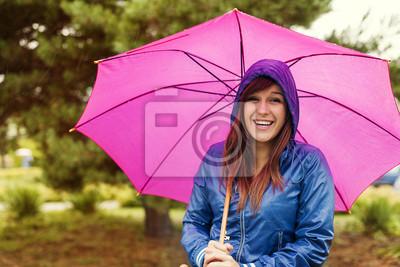 Portrait Der Glucklichen Frau Mit Sonnenschirm Fototapete