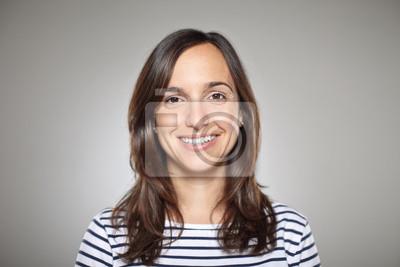 Fototapete Portrait von einem normalen Mädchen lächelnd