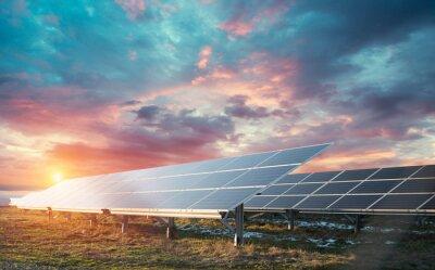 Fototapete Power plant using renewable solar energy with sun