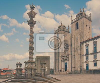 Fototapete Pranger und die Kathedrale Se in Porto