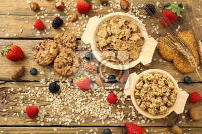 Prima colazione, prodotti dietetici su sfondo tavolo di cucina ...