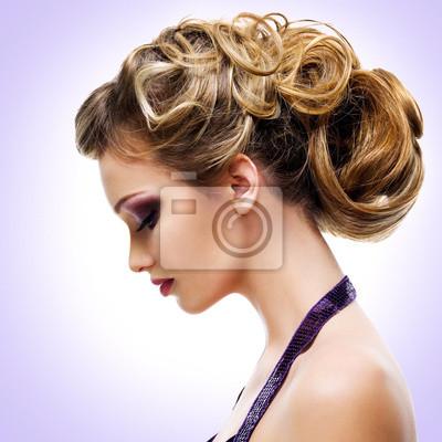Fototapete Profil-Porträt der Frau mit Mode Frisur