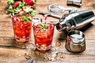 Fototapete Red trinken mit Eis. Cocktail machen Bar Werkzeuge
