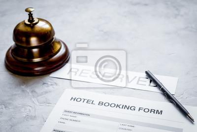 Reservierungsformular Auf Hotelempfangstein Schreibtischhintergrund