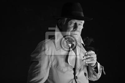 Ein Kerl, der Zigaretten raucht
