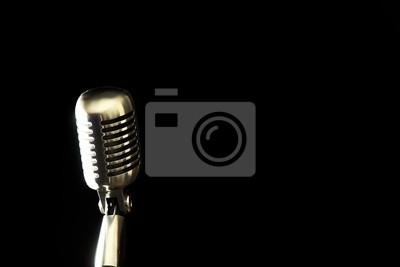 Retro-Mikrofon auf Schwarz