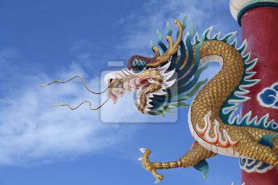 Riesige goldene chinesische Drache