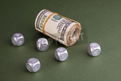 Fototapete: Roll u s  money and aluminum dice with world currency symbols