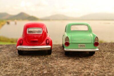 Fototapete Rote und grüne Spielzeug Parkplatz paar auf der Straße