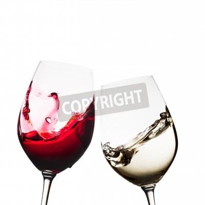Fototapete Rote und weiße Weingläser getrennt
