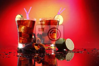 Rum und Cola - Cuba Libre - mit exotischen Chips