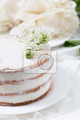 Rustikale Hochzeitstorte Mit Weissen Flieder Auf Einem Weissen