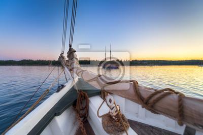 sailboats at sunrise fototapete fototapeten dawn. Black Bedroom Furniture Sets. Home Design Ideas