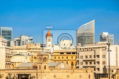 Fototapete Saint George Greek Ortodox cathedral in the dowtnown of Beirut among modern buildings, Lebanon