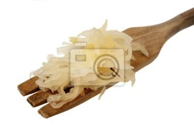 Sauerkraut auf einer hölzernen Gabel