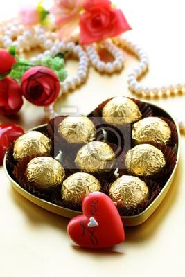 Schachtel Pralinen Und Perle Geschenk Fur Valentinstag Fototapete